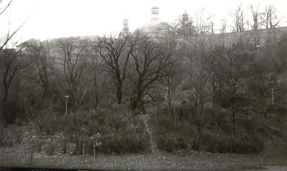 Park Folimanka Nusle Praha černobílá fotografie 90. léta