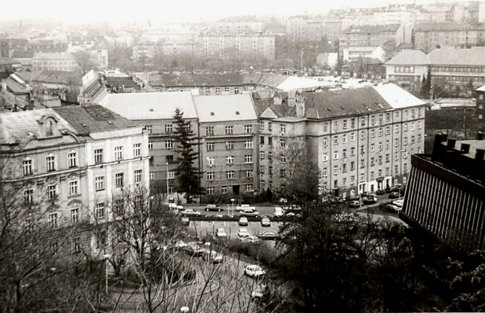 Pohled z Nuselského mostu na Nusle - 90. léta