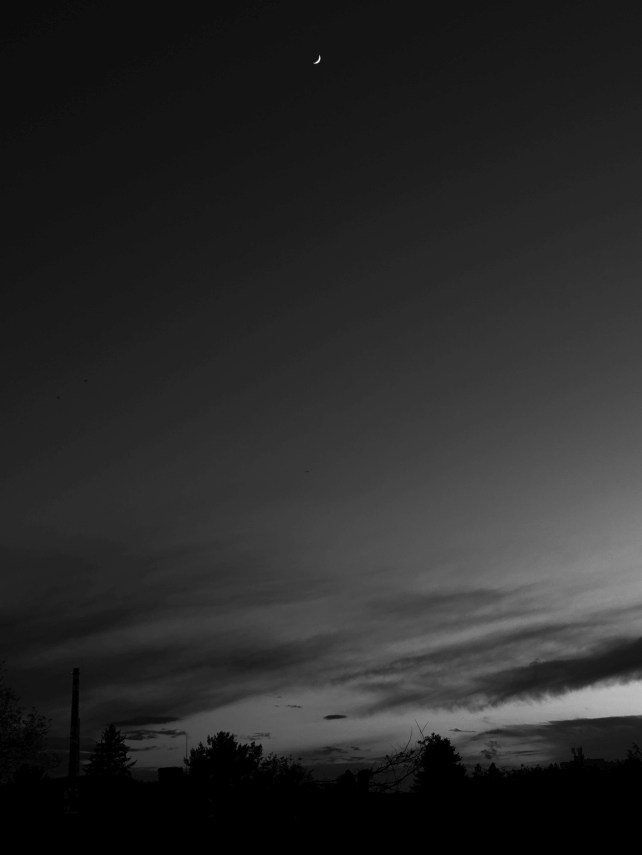 Komín a měsíc